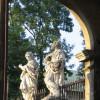Kraków - figury przed kościołem p.w. św. Piotra i Pawła fot. M.Szymoniak